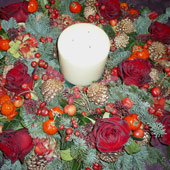 Jens Jakobson Christmas: candle in red wreath