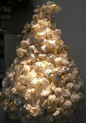 Jen Jakobsen Floral Construction Home page flowers: meringue tree